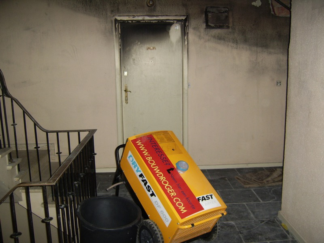 Using a building dryer is recommended in the event of damage caused by extinguishing water.